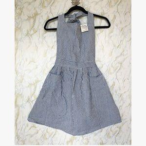 Nwt Apron blue white striped one size pockets tie